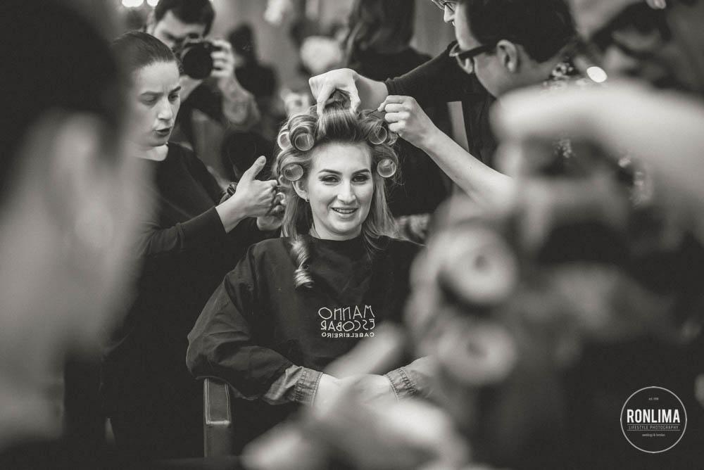 foto da noiva fazendo o cabelo