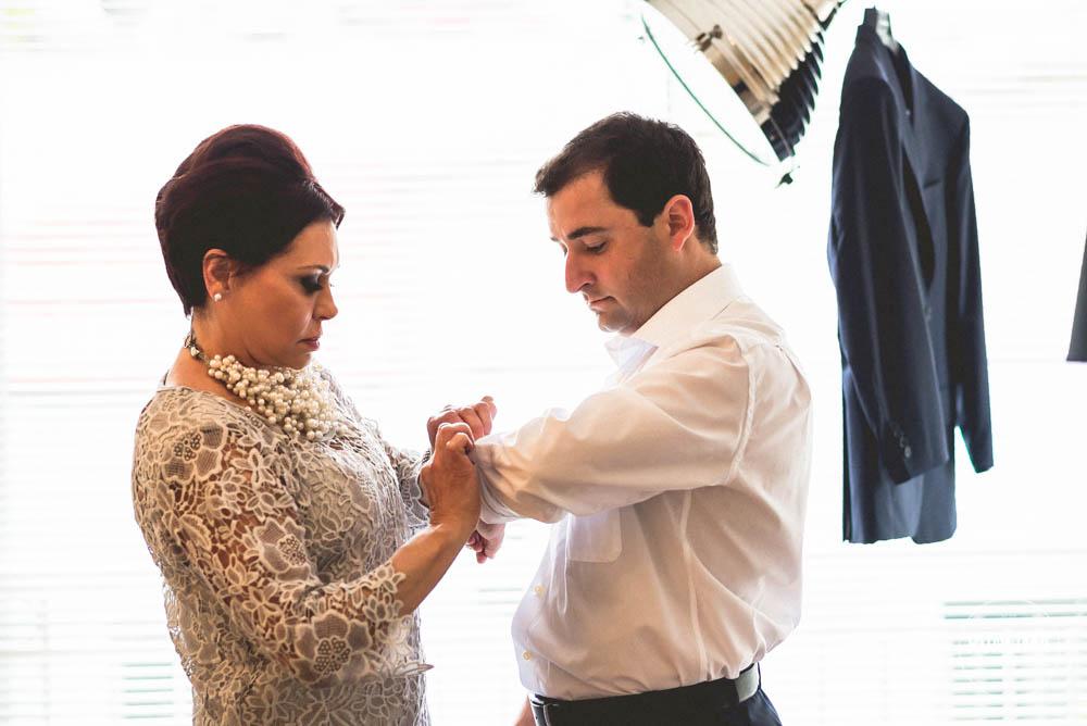 foto do noivo com sua mãe