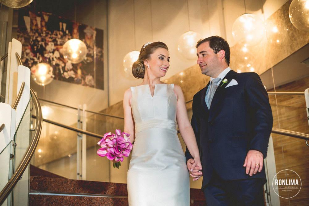 foto espontânea dos noivos