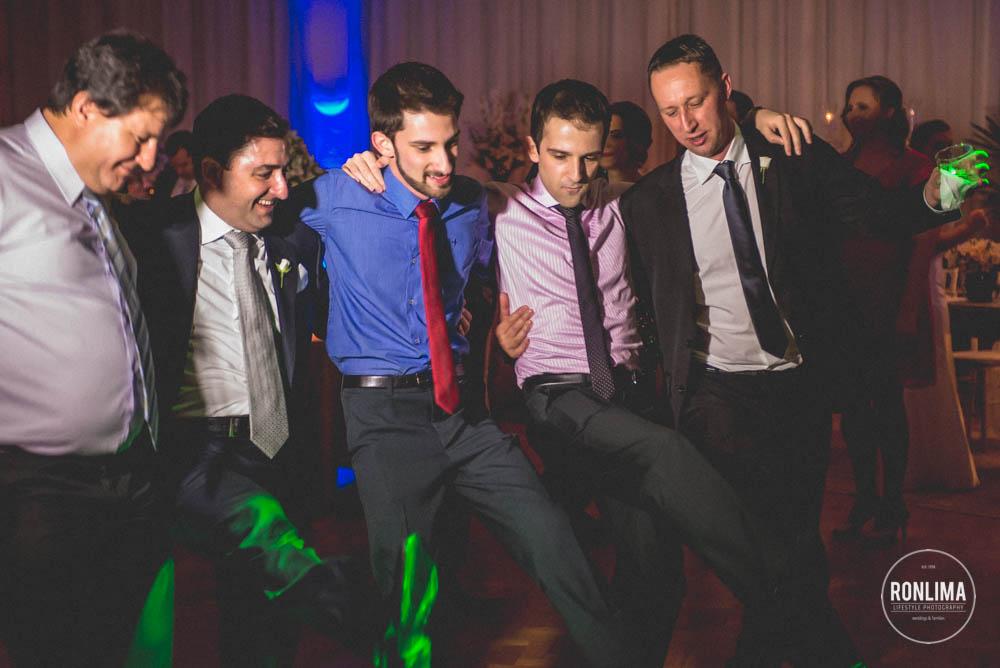 dança dos amigos do noivo