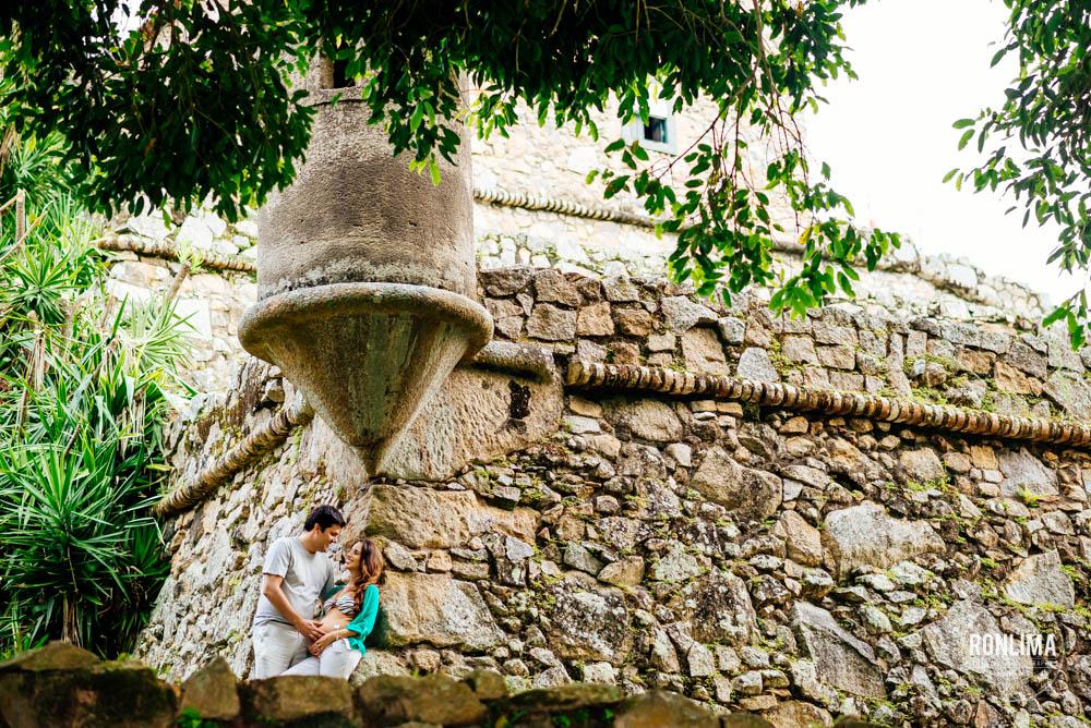 Fotografia de Gestante no Forte de Jurerê em Floripa