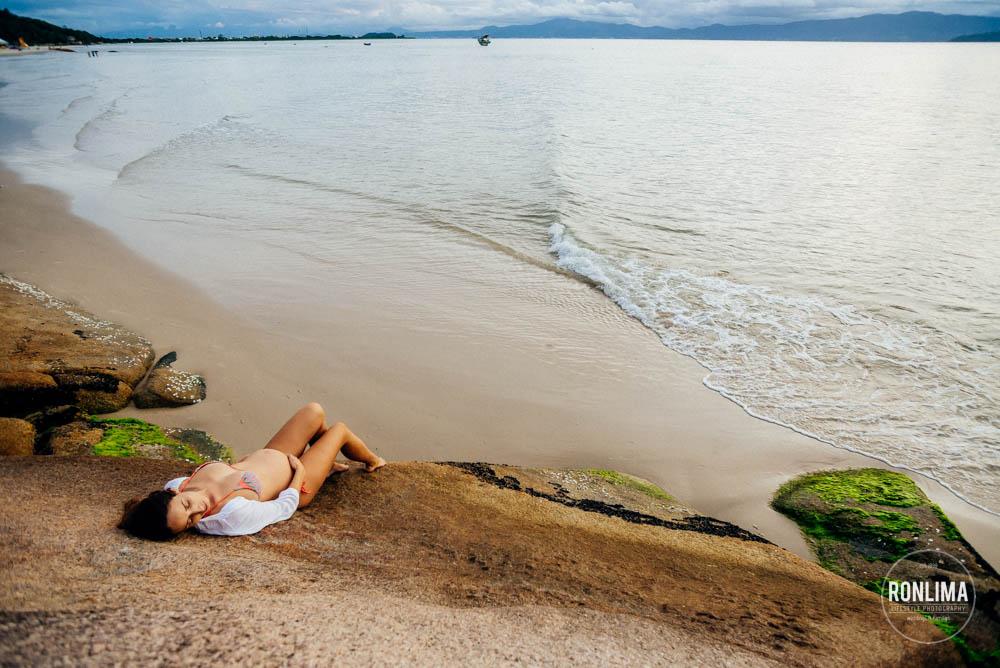 Ensaio Gestante na Praia do Forte em Floripa